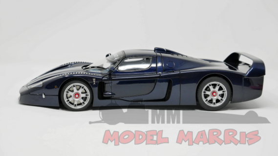 AUTOART – MASERATI – MC12 ROAD-CAR 2004