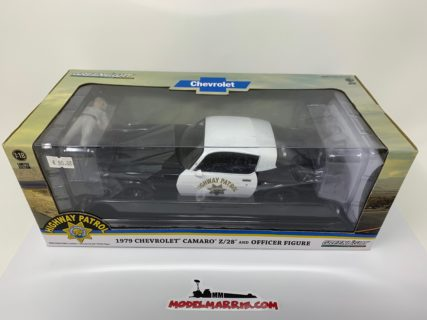 GREENLIGHT – CHEVROLET – CAMARO Z/28 COUPE CALIFORNIA HIGHWAY PATROL POLICE WITH FIGURE POLICEMAN 1979