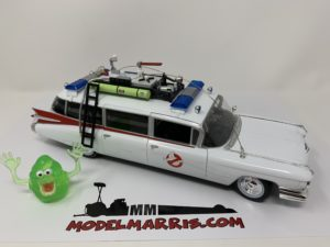 AUTOWORLD – CADILLAC – ECTO 1 GHOSTBUSTERS WITH SLIMER FIGURE