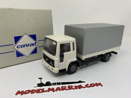Conrad 4536 VOLVO-FLC 4X2 WITH PLATFORM 1/50