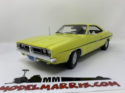 AUTOWORLD – 1969 – Dodge Charger R/T – *Dirty Mary, Crazy Larry*, green