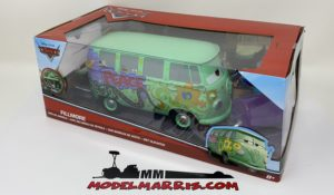 JADA – VOLKSWAGEN – T1 BUS WITH OIL BARREL 1963 – FILLMORE – WALT DISNEY CARS 1 – MOVIE