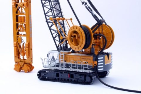 BAUER Cable crane MC96 with Trench Cutter BC35 and HDS-T Bymo 1/50