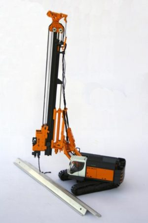 RTG Pile Drive RG21T with Hydraulic Vibrator Bymo 1/50