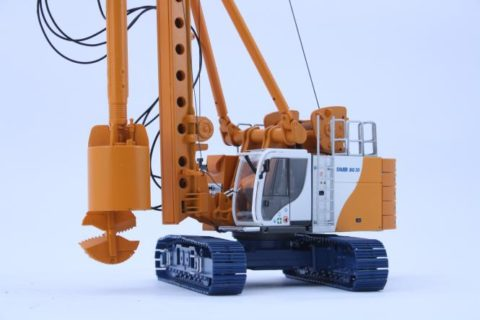 BAUER Drilling Rig BG30 ValueLine with Kelly and Drilling Bucket Bymo 1/50