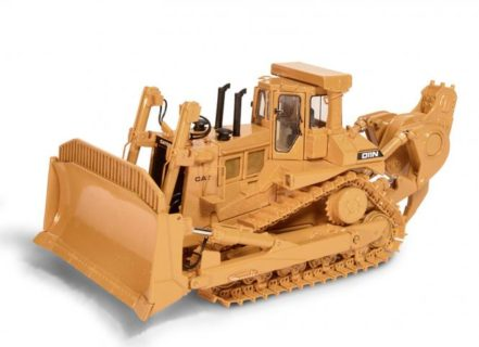 CAT Dozer D11N with SU-Blade and Impact-Ripper – CCM – classic construnction – 1/48