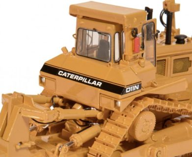 CAT D11 Dozer with SU-Blade and Single-Shank-Ripper – CCM – CLASSIC CONSTRUNCTION -1/48