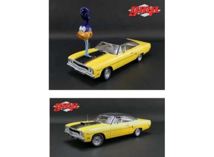 *PREORDER* 1970 Plymouth Road Runner with *The Loved Bird* Road Runner Air Grabber Figure