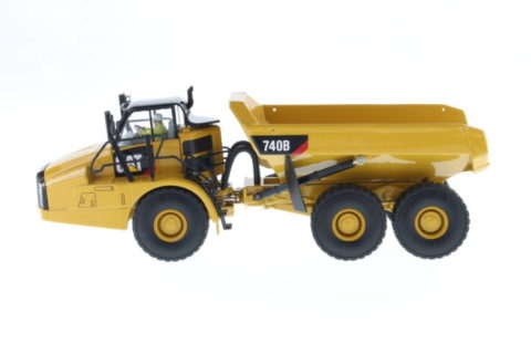 85501 Cat 740B Articulated Truck 1/50 Diecast Masters