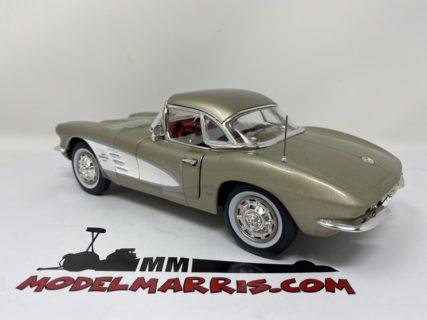 1961 Chevy Corvette Autoworld American Muscle 1/18