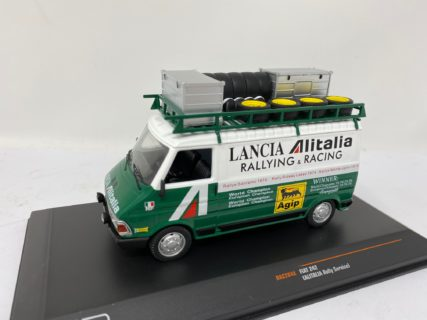 IXO-MODELS – FIAT – 242 VAN ALITALIA ASSISTENZA LANCIA CORSE RALLY 1974 – 1/43
