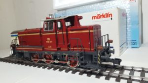 Locomotore Marklin Maxi Scala 1 54321 + Vagone Merci 58265 + 8 binari dritti *Luci e suoni funzionanti* – USATO –