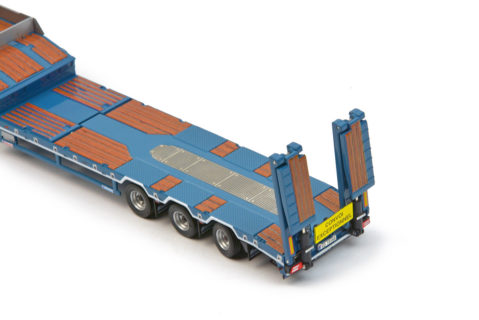 Sarens Mercedes Actros2 GigaSpace 6×4 with EuroFlex 3axle semi low loader – IMC – 1/50 – 20-1036
