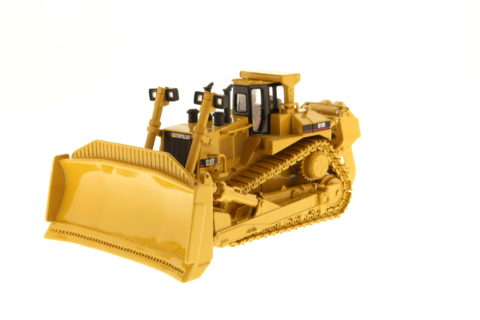 85025 Cat D11R Track Type Tractor – DIECAST MASTERS