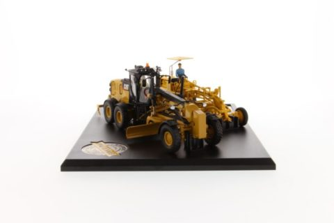85560 Cat Motor Grader Evolution Series (No. 12 ; 12M3) – DIECAST MASTERS – 85560 – 1:50