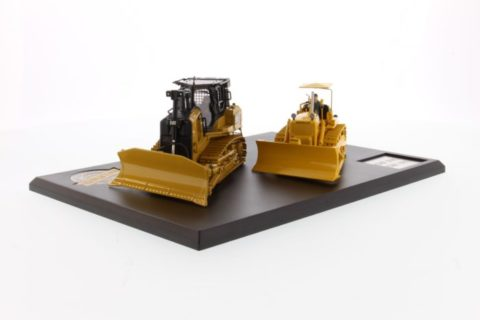 Cat Track Type Tractor Evolution Series (No. D7C & D7E) – DIECAST MASTERS – 85561 – 1:50