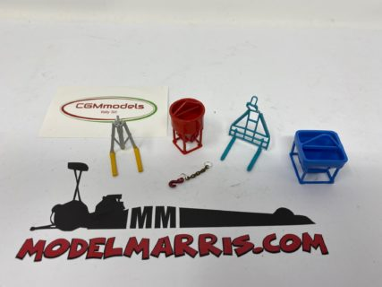 TOWER CRANE ACCESSORIES – TCA002 – 1x sottogancio – 2x forche – 2x secchioni – 1/50 – CGM MODELS – METALLO MADE IN ITALY