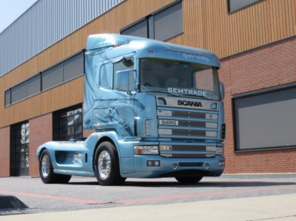 Scania – Semtrade Svempas Sharks – 1:50 – Tekno – 74170