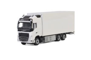White Line; VOLVO FH4 GLOBETROTTER XL RIGED BOX / CURTAIN / REFRIGERATED TRUCK COMBI – Wsi – 1:50 – 03-2015