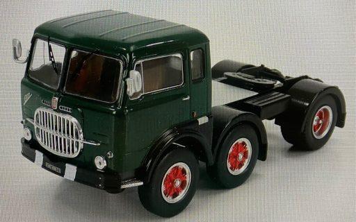 IXO-MODELS – FIAT – 690 T1 TRACTOR TRUCK 3-ASSI 1961 – 1/43