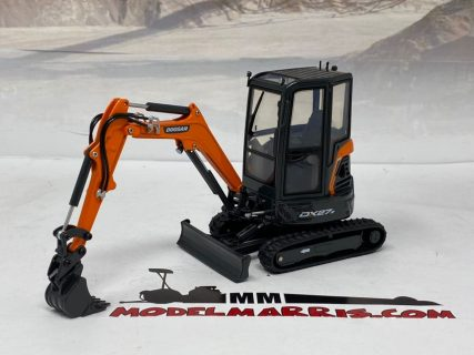 DOOSAN DX27Z – Universal Hobbies – UH8141 – 1:25