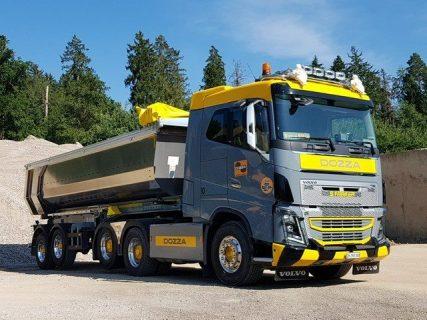 """Volvo FH16 6X4 – Vasca ribaltabile """"DOZZA"""" Tekno 76791"""