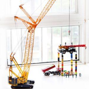 XCMG YAGAO QUY300 Tower Crane Model, Crawler Crane Gift, Exhibiton – 1:50
