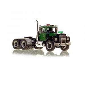 * IN ARRIVO * Mack® R Tandem Axle Tractor – Green over Black – NZG – VFR103-3 – 1:50