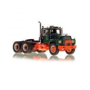 * IN ARRIVO * Mack® R Tandem Axle Tractor – Green over Orange – NZG – VFR103-6 – 1:50