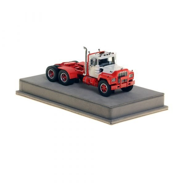 Mack® R Tandem Axle Tractor - White over Red - NZG - VFR103-4 - 1:50