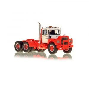 * IN ARRIVO * Mack® R Tandem Axle Tractor – White over Red – NZG – VFR103-4 – 1:50