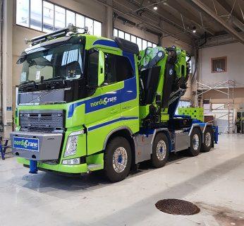 Nordic Crane Nord; VOLVO FH 4 SLEEPER CAB 8X2 TAG AXLE FASSI 1100 | JIB – WSI – 01-3228 – 1:50