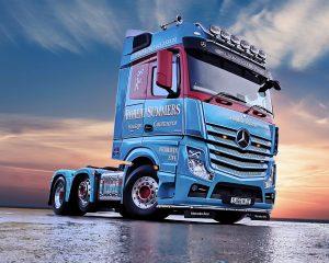 * PREORDINE * – Robert Summers Mercedes-Benz Actros Bigspace 6×2 – IMC – 32-0104 – 1:50