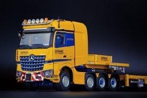 Tadano Mercedes-Benz Arocs SLT BigSpace 8×4 with Nooteboom MCO Semi Low Loader 7-Axle – IMC – 33-0161 – 1:50