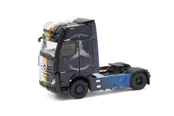 Limited Specials ''Actros Iron'' 33-0150