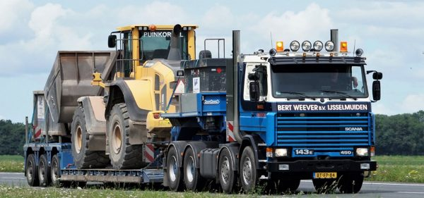 Weever; SCANIA 3 SERIES 8X4 LOW LOADER - 3 AXLE