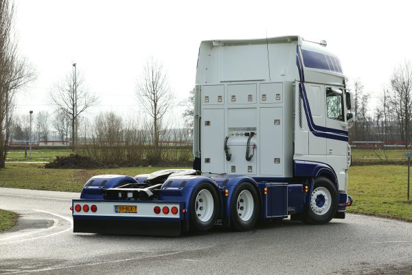 * PREORDINE - Q3-2021 * Zondag Transport; DAF XF SUPER SPACE CAB MY2017 6X2 TAG AXLE - WSI - 01-3404 - 1:50