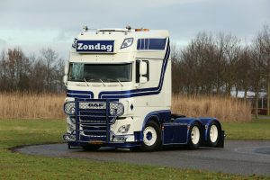 * PREORDINE – Q3-2021 * Zondag Transport; DAF XF SUPER SPACE CAB MY2017 6X2 TAG AXLE – WSI – 01-3404 – 1:50