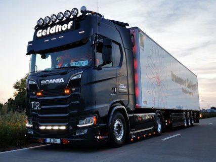 * PREVENDITA – Q3-2021 * Geldhof Transport – TEKNO – 82090 – 1:50