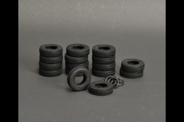 Silicone rubber Tires 16 pieces for LTM 1500 - YCC - YC560-2 - 1:50