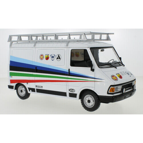 Fiat 242 Abarth, 1980 (Assistance) - IXOMODELS - 18RMC060XE - 1:18