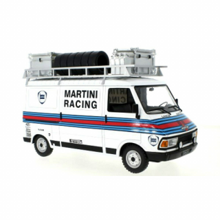 Fiat 242, Martini Rally Team (Assistance) – IXOMODELS –  18RMC059XE – 1:18