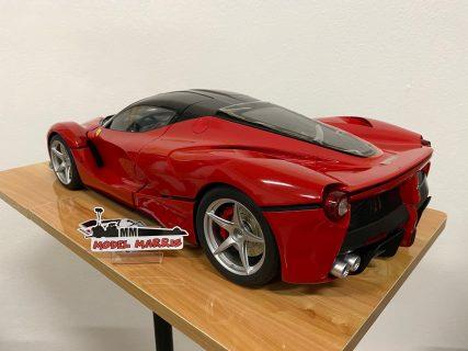 Ferrari LaFerrari 1/10 – red – luci funzionanti e portiere elettriche