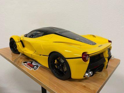 Ferrari LaFerrari 1/10 – yellow – luci funzionanti e portiere elettriche