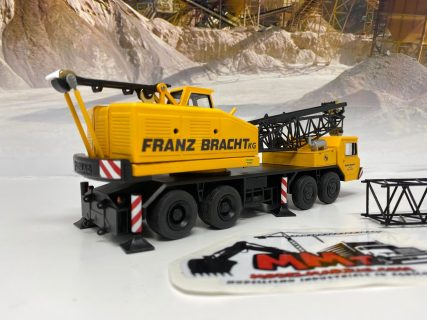 Autogru tralicciata DEMAG TC 140 – Franz Bracht – CGM Models – 1/50 – Edizione artigianale limitata e certificata – MADE IN ITALY
