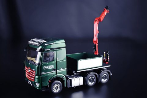FASSI – Mercedes-Benz Arocs StreamSpace 6×4 with ballast box and Fassi F32A – IMC – 32-0072 – 1:50