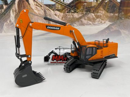Escavatore Doosan DX800 – 1:50