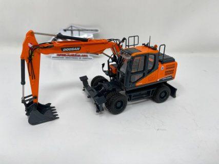 Escavatore Gommato Doosan DX140W – 1:50